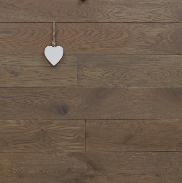 Massivholzdielen Eiche, mit Rubio Monocoat R311 havanna geölt, Systemlängen, Kanten gefast, Nut / Feder Verbindung, Sonderanfertigung nach Kundenwunsch
