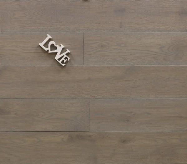 Massivholzdielen Eiche, mit Rubio Monocoat R323 silver grey geölt, Systemlängen, Kanten gefast, Nut / Feder Verbindung, Sonderanfertigung nach Kundenwunsch