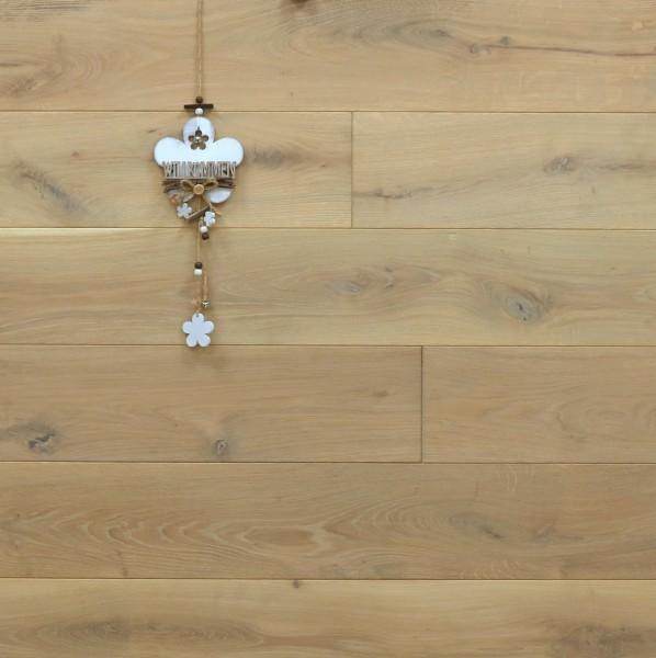 Massivholzdielen Eiche, mit Rubio Monocoat P920 + R920 Rohholzoptik geölt, Systemlängen, Kanten gefast, Nut / Feder Verbindung, Sonderanfertigung nach Kundenwunsch