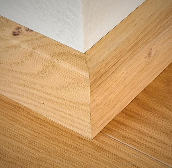 Eiche Massivholz Sockelleiste, 20 x 60 von 1500 bis 2400 mm, Öl und Farbe nach Kundenwunsch